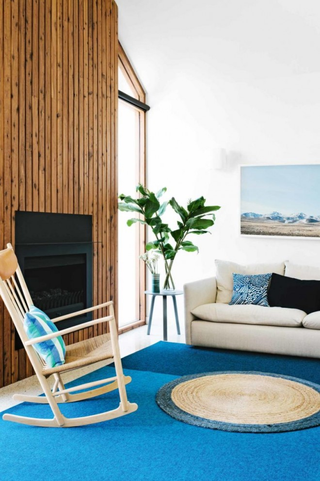 living-room-blue-rug-timber-panelling-sept14-20160321113606-q75,dx800y-u1r1g0,c--